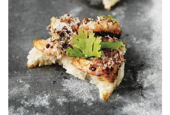 Toasts-de-crevettes-en-habit-de-choco-coco_exact556x377