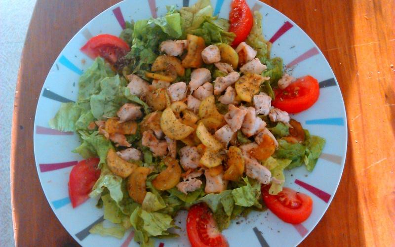 d27b325cd475df20c389a4a3c47a69fb50e10760-salade-poulet-courgette-vite-et-bien