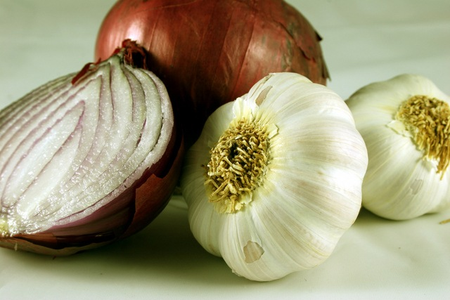 garlic-onions2