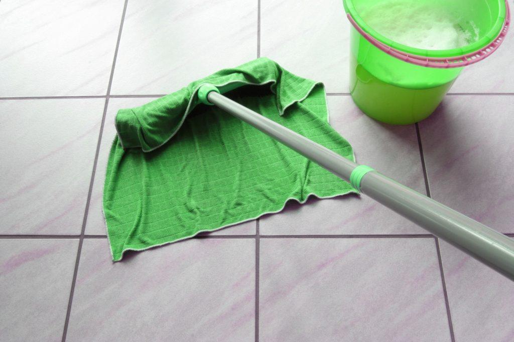 10 astuces pour nettoyer la maison sans d tergent - Tache de rouille sur vetement apres lavage ...